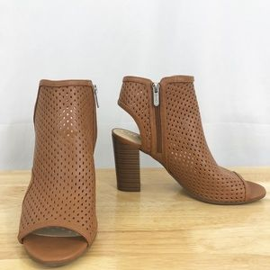 NWOB Sam Edelman Circus Emerson Perforated Booties